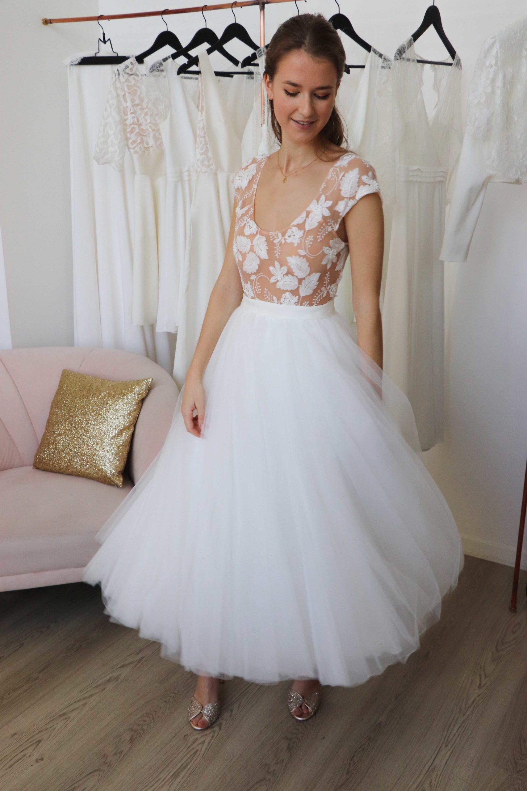 robe de mariée tutu qui s'envole lorsque l'on tourne sur soi.